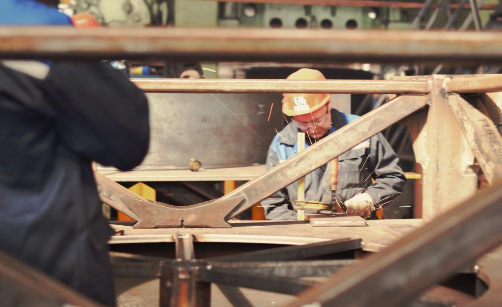 Производитель башенных кранов
